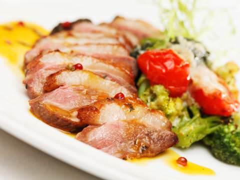 栄養満点!疲労回復!豚肉を使って簡単に作れるレシピ5選!のサムネイル画像