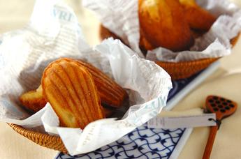 人気の焼き菓子!基本からアレンジまでマドレーヌレシピ5選のサムネイル画像