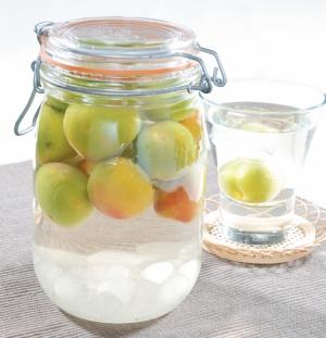 夏の暑さを乗り切ろう!梅シロップの基本の作り方とアレンジレシピのサムネイル画像