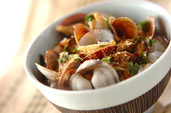 あさりの旨みを楽しむならコレ!「あさりご飯」おすすめレシピ5選のサムネイル画像