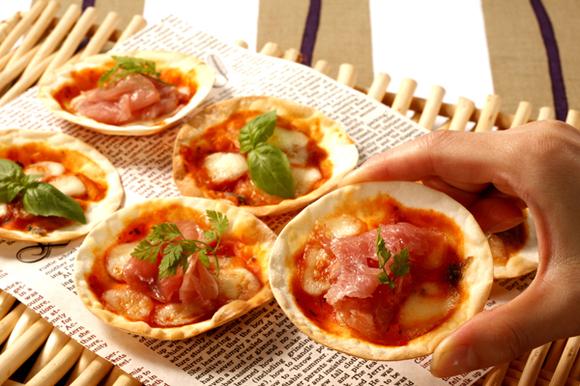 余りがちな餃子の皮をピザに美味しくリメイク!パーティーにも!のサムネイル画像