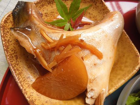お家でもできちゃう!?本格的な料亭の味!ぶりかまの煮付けレシピのサムネイル画像