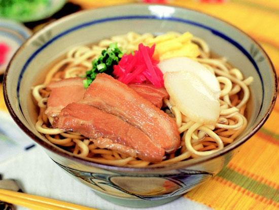 沖縄そばならこのレシピ!美味しくて簡単レシピをご紹介します☆のサムネイル画像