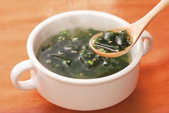 ほっこり体温まる一杯!わかめスープの美味しいおすすめレシピ5選のサムネイル画像