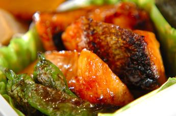 お弁当に大人気の鮭!鮭を使ってこんなお弁当のおかずも作れます!のサムネイル画像