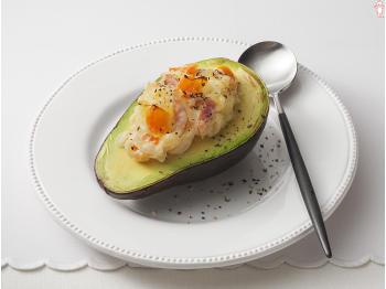 女性に人気!森のバターアボカドを使った美味しいグラタンレシピ5選のサムネイル画像