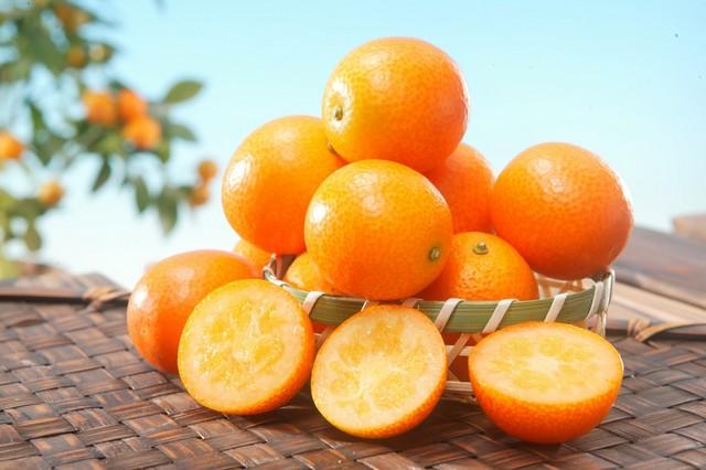 意外と知らない?栄養満点な金柑の食べ方&金柑を使ったレシピまとめのサムネイル画像