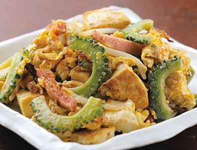 栄養たっぷりのゴーヤを美味しく食べよう!ゴーヤチャンプルーレシピのサムネイル画像