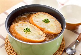 おうちで作れる!絶品オニオングラタンスープのレシピと作り方♪のサムネイル画像
