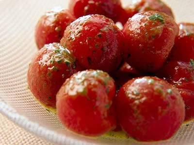 低カロリーで可愛らしいミニトマトを、料理に使ってみませんか?のサムネイル画像