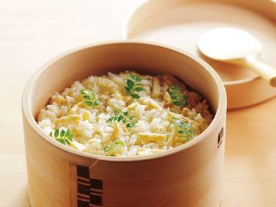 待ち遠しい 春のお楽しみ!おいしいたけのこご飯のレシピ!のサムネイル画像