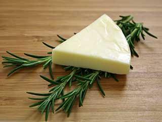 お財布の味方♪プロセスチーズで作る絶品チーズレシピ5選まとめのサムネイル画像