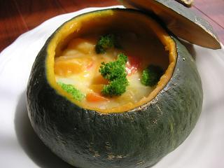 秋にぴったり!体温まる、かぼちゃシチューの美味しいレシピ5選のサムネイル画像