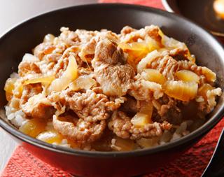 めんつゆを使って簡単!牛丼をお家で楽しむレシピのまとめです!のサムネイル画像