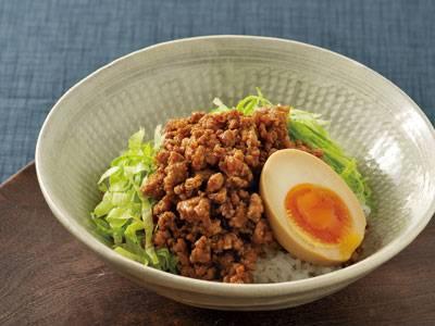 ご飯がすすむ!ひき肉で作る簡単ご飯のおかずレシピ5選 お弁当にものサムネイル画像