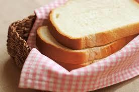 離乳食に食パンはいつからOK?離乳食の時期別おすすめレシピ!のサムネイル画像