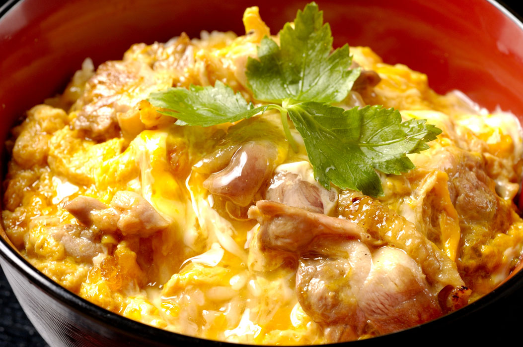 ふわとろ親子丼を作る簡単おすすめレシピと作り方をご紹介♪のサムネイル画像