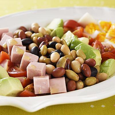 【副菜で栄養バランス】サラダで大豆を手軽にたくさん摂ろう!のサムネイル画像
