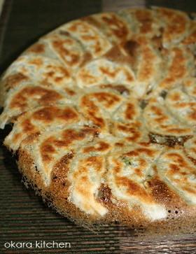 カリッ!ジュワ~で食べすぎ注意!絶品の白菜餃子レシピまとめのサムネイル画像