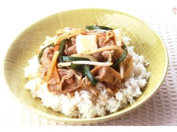 暑くなってきたら食べたい!豚肉、ナス、ピーマンを使ったおかずのサムネイル画像