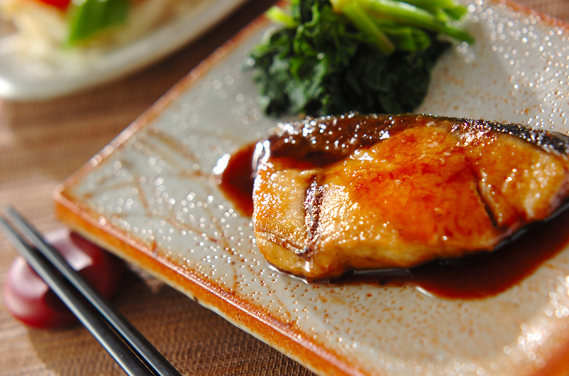 あま~い照り焼きがよく合い絶品!ぶり照り焼きの簡単レシピ!のサムネイル画像