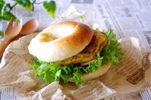 冷凍もできそのままでもサンドにして食べても美味しいベーグル!のサムネイル画像