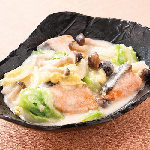 鮭の旨味が美味しい!冬に食べたい鮭のクリーム煮の簡単絶品レシピ♪のサムネイル画像