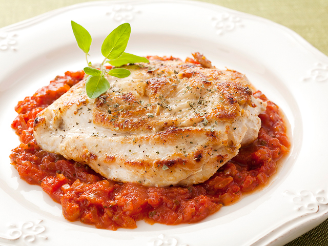 安くて旨みたっぷり!鶏胸肉を上手にソテーするコツが分かるレシピ集のサムネイル画像