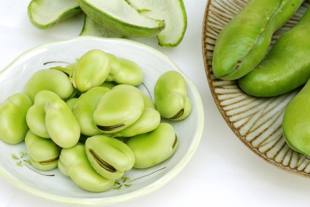 ご飯のおかずに!お酒のおつまみに!万能そら豆の低カロリーレシピのサムネイル画像
