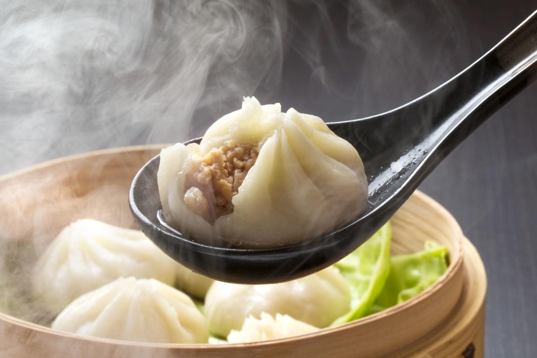 気分はまるで台湾旅行♪絶品!ジューシー小籠包レシピ特集!のサムネイル画像
