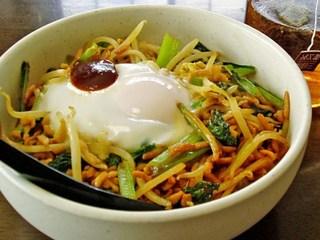 すぐ作れる!安くて美味しい!小松菜ともやしのおかずになるレシピのサムネイル画像