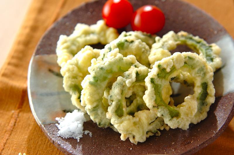 え?こんなのもアリ?!ゴーヤを使った簡単な天ぷら料理5選!のサムネイル画像