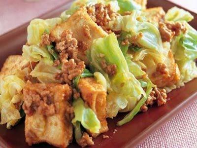 今晩のおかずに!キャベツを使った美味しい味噌炒めレシピ5選のサムネイル画像