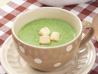 驚くほど簡単にできる!栄養満点ほうれん草のスープの人気レシピ!のサムネイル画像