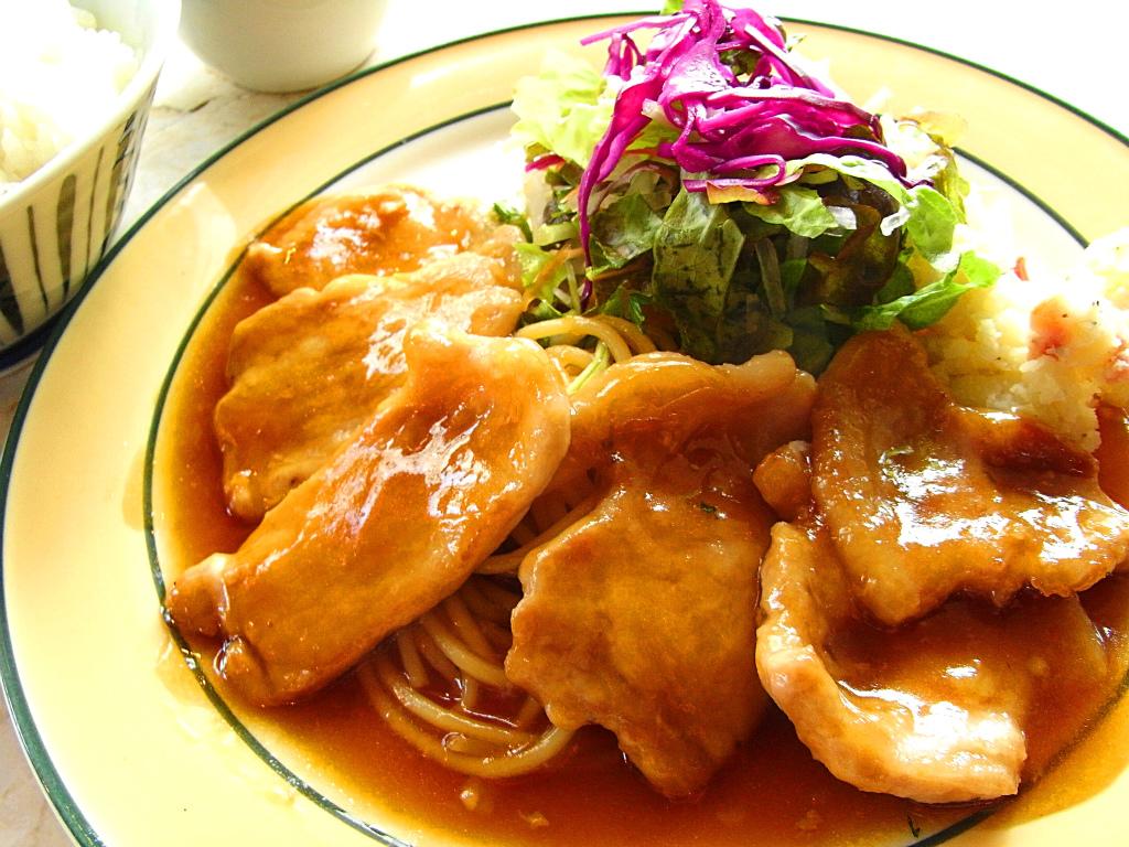 お弁当にも夕食にも!人気の美味しい豚ロース生姜焼きレシピ5選のサムネイル画像