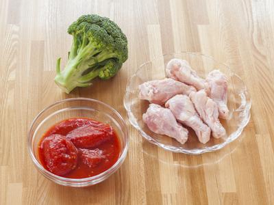 チキンとトマトは相性抜群♡今夜のメインも共演レシピで決まり♪のサムネイル画像