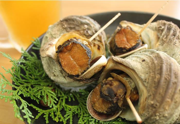 つぼ焼きだけじゃない!サザエの簡単美味しい食べ方レシピ5選のサムネイル画像