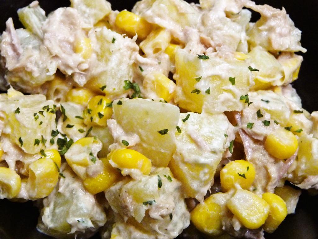 今夜の食卓にいかが?ツナを使った簡単ポテトサラダのレシピのサムネイル画像