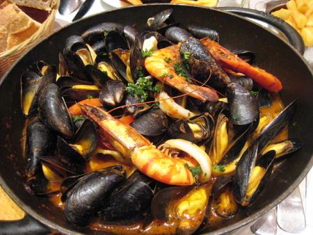 蒸してもパスタでも超絶品!おいしいムール貝の食べ方特集♪のサムネイル画像