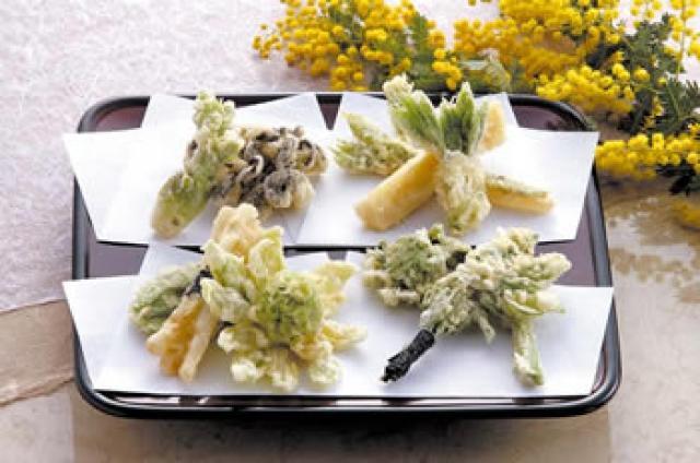 春の味を楽しもう!あなたは全部知ってる?山菜の天ぷらレシピのサムネイル画像