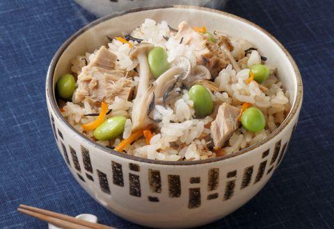 炊き込みご飯が食べたい!すぐに作れるツナを使った絶品炊き込みご飯のサムネイル画像