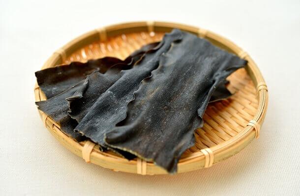 旨味たっぷり★昆布の栄養と昆布を使った美味しくて手軽なレシピのサムネイル画像