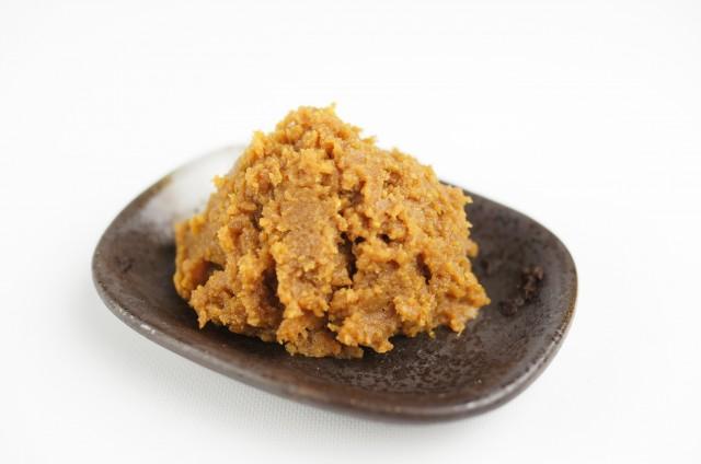 もう市販の味噌には戻れない!手作り味噌を使った家庭の味レシピ5選のサムネイル画像