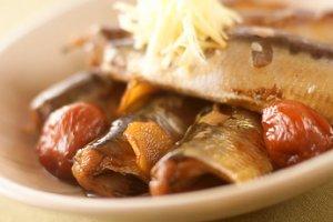 余り物が大変身!いわしの梅煮を使った驚きのリメイクレシピ5選のサムネイル画像
