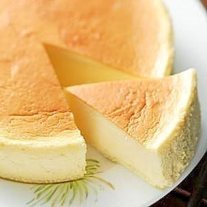 驚愕!!炊飯器で簡単に本格的なチーズケーキが作れるレシピ3選のサムネイル画像