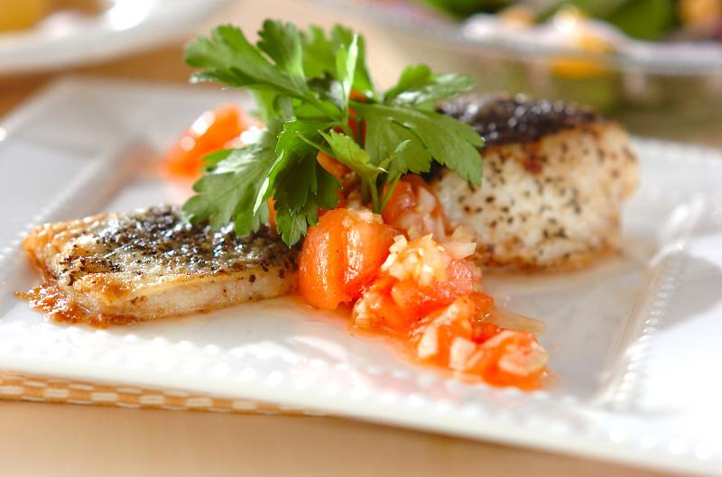 カリッ!フワッ♡食感が美味しい鱈のムニエルの焼き方のコツのサムネイル画像