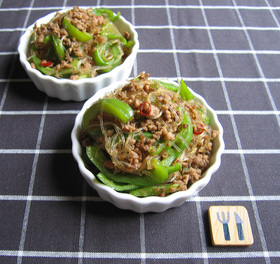 アレンジ自由自在♪ピーマンとひき肉を使った料理レシピ☆4選☆のサムネイル画像