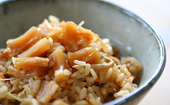 だしの味が染みて幸せ・・・♡ホタテの炊き込みご飯レシピ!のサムネイル画像