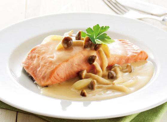 今日にでも作りたい!鮭のクリーム煮の絶品人気レシピ特集!のサムネイル画像