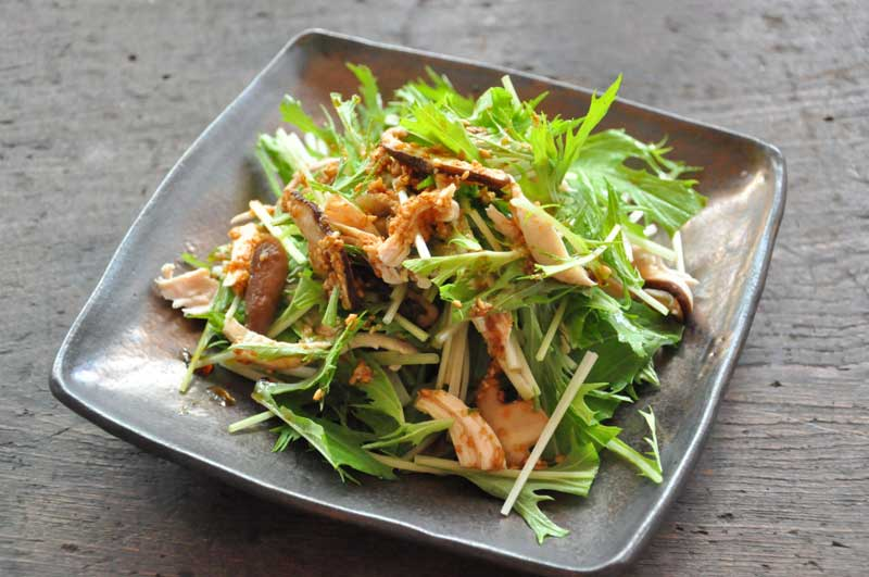 低カロリーで高たんぱく!鶏のささみを使った簡単サラダレシピ集のサムネイル画像